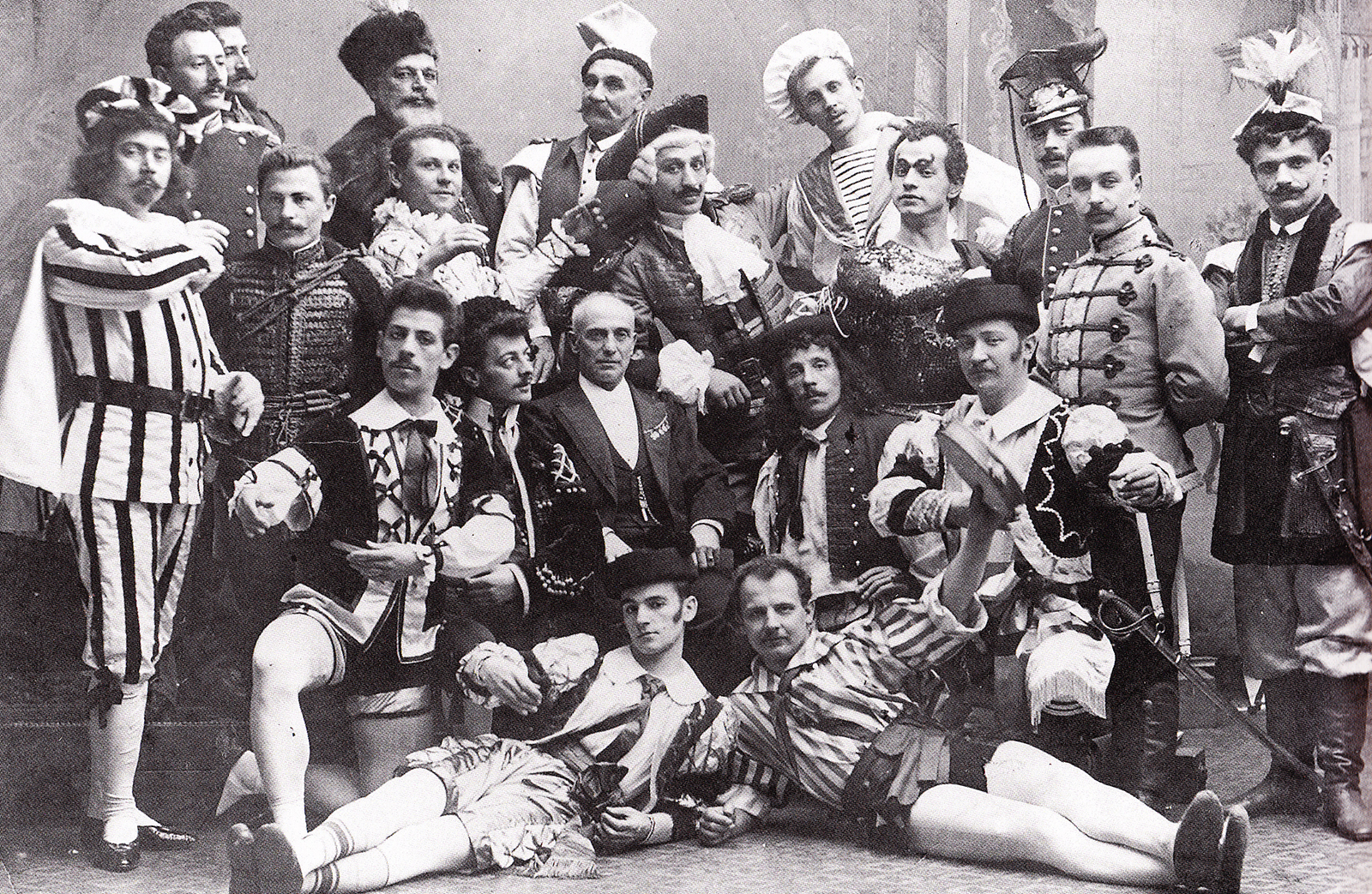 St. Petersburg, 1900 Cecchetti is seated in the centre (photo courtesy Livia Brillarelli)