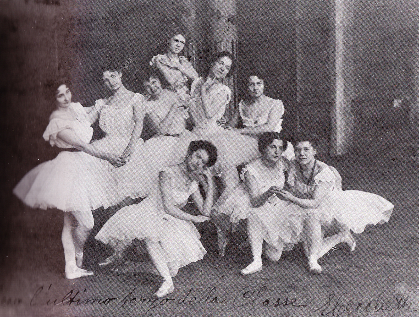 Cecchetti's students before a performance in St. Petersburg 1900 (photo courtesy Livia Brillarelli)