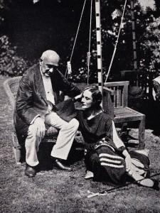 Enrico Ceccheti dans la maison d'Anna Pavlova à Londres, années 20.